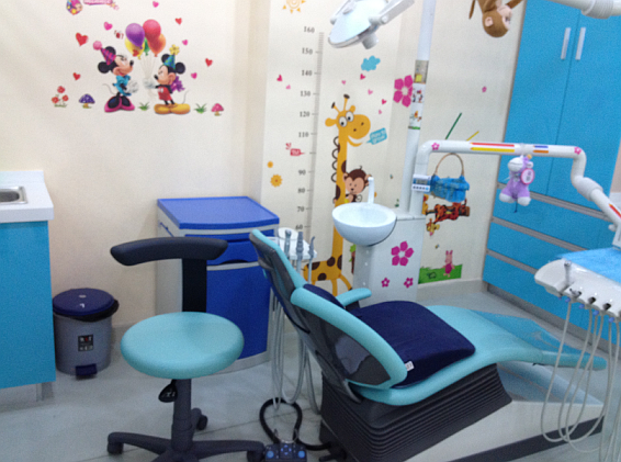 爱康健口腔充满童趣的儿童诊室