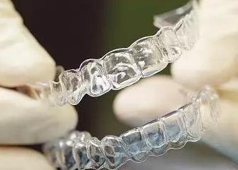 隐形透明牙套